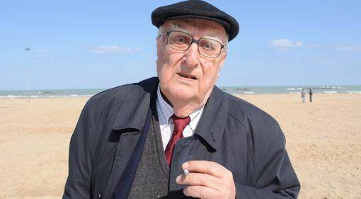 """Camilleri: """"Sono diventato cieco, ma andrò a votare No"""" Camilleri-voto-no-al-referendum-intervista-cazzullo"""
