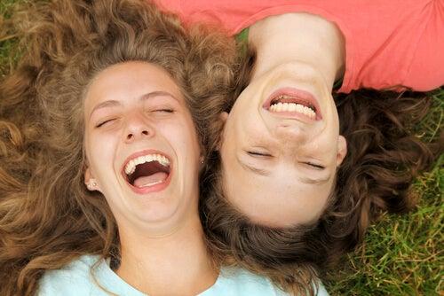 Sintonía emocional, ¿nos contagiamos de las emociones de los demás? Shutterstock_108910352