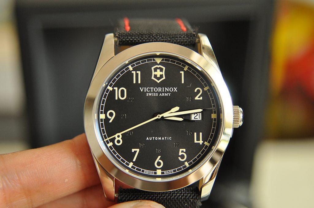 Đồng hồ Victorinox có tốt không? có phù hợp không? Dong-ho-victorinox-infantry-3-1024x680