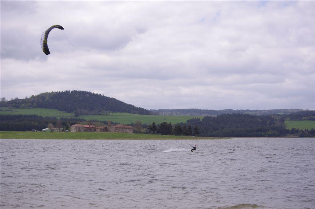 Des ailes à caissons ouverts qui flottent (un peu) ? IMGP0789