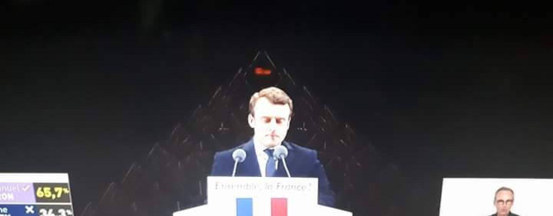 Emmanuel Macron élu à 66,06 % est-il l'antéchrist? - Page 2 Macron-pyramide-oeil-1440x564_c