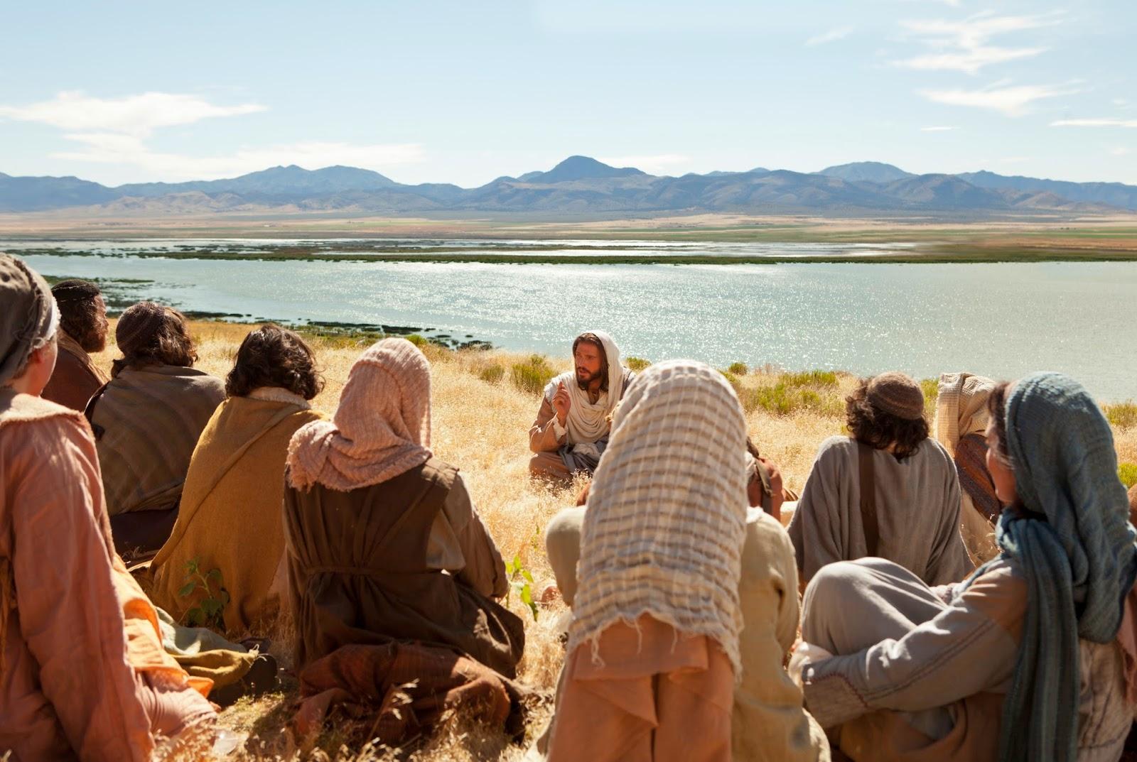 Jésus avait de vrais amis lorsqu'Il vivait sur cette Terre... Jesus-christ-teaching-958525-wallpaper-2