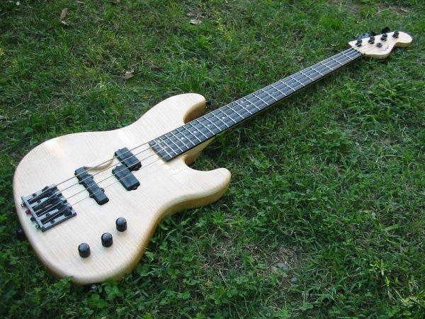 Jazzbass ou Precision P/J... Img_3507