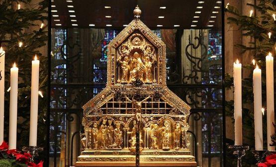 Les grands pèlerinages chrétiens à partir de l`Angleterre au Moyen-Âge - Canterbury -Terre-Sainte - Rome - Compostelle Chasse-des-saints-rois-mages-cologne-copie