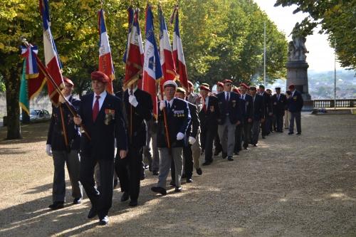 C'est à Périgueux  que les parachutistes ont célébré  la fête de Saint- Michel , Patron des parachutistes 3157371579