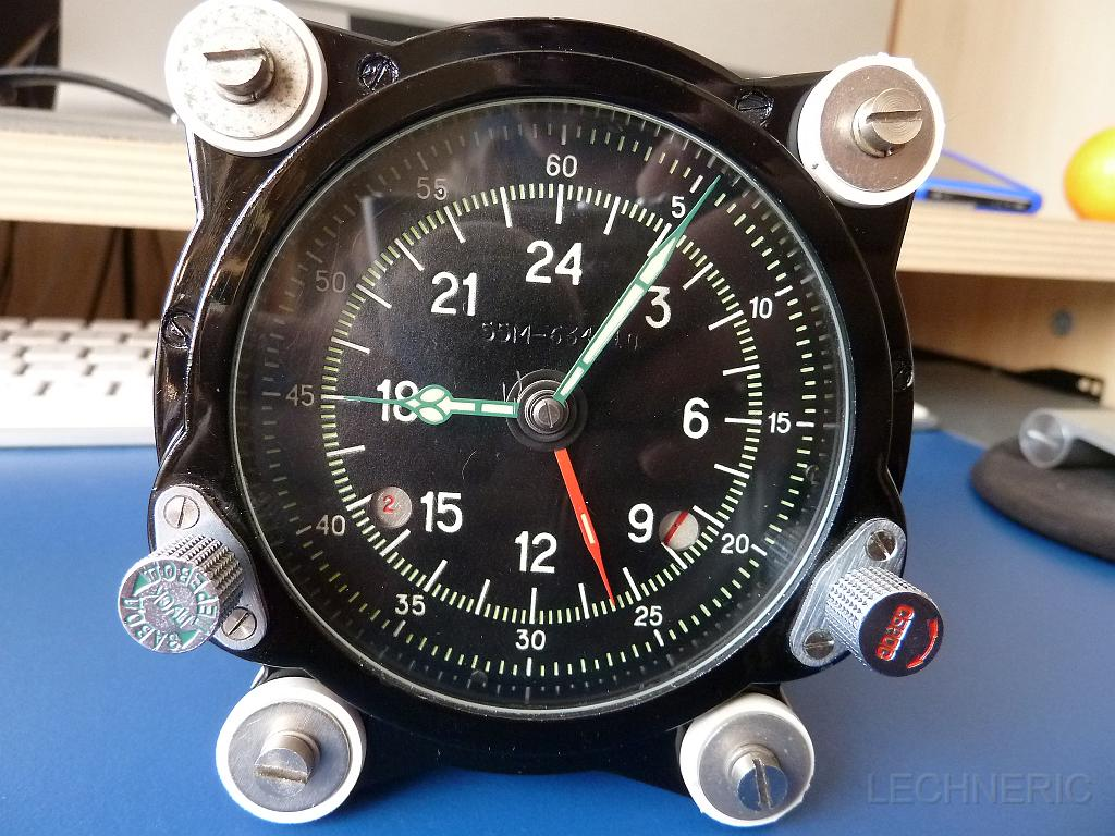 horloge de bord soviétique P1090935