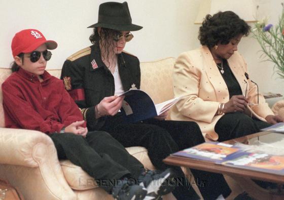 Raridades: Somente fotos RARAS de Michael Jackson. - Página 4 971007_wedding01