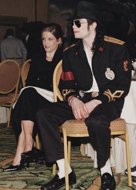 Raridades: Somente fotos RARAS de Michael Jackson. - Página 4 971011_phokeng02