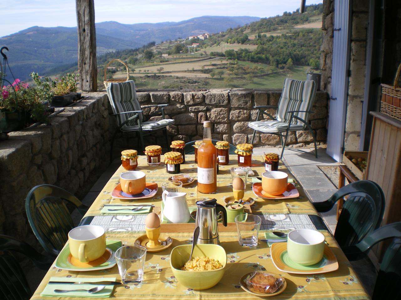 Mercredi 20 août Petit-dejeuner-sur-la-terrasse