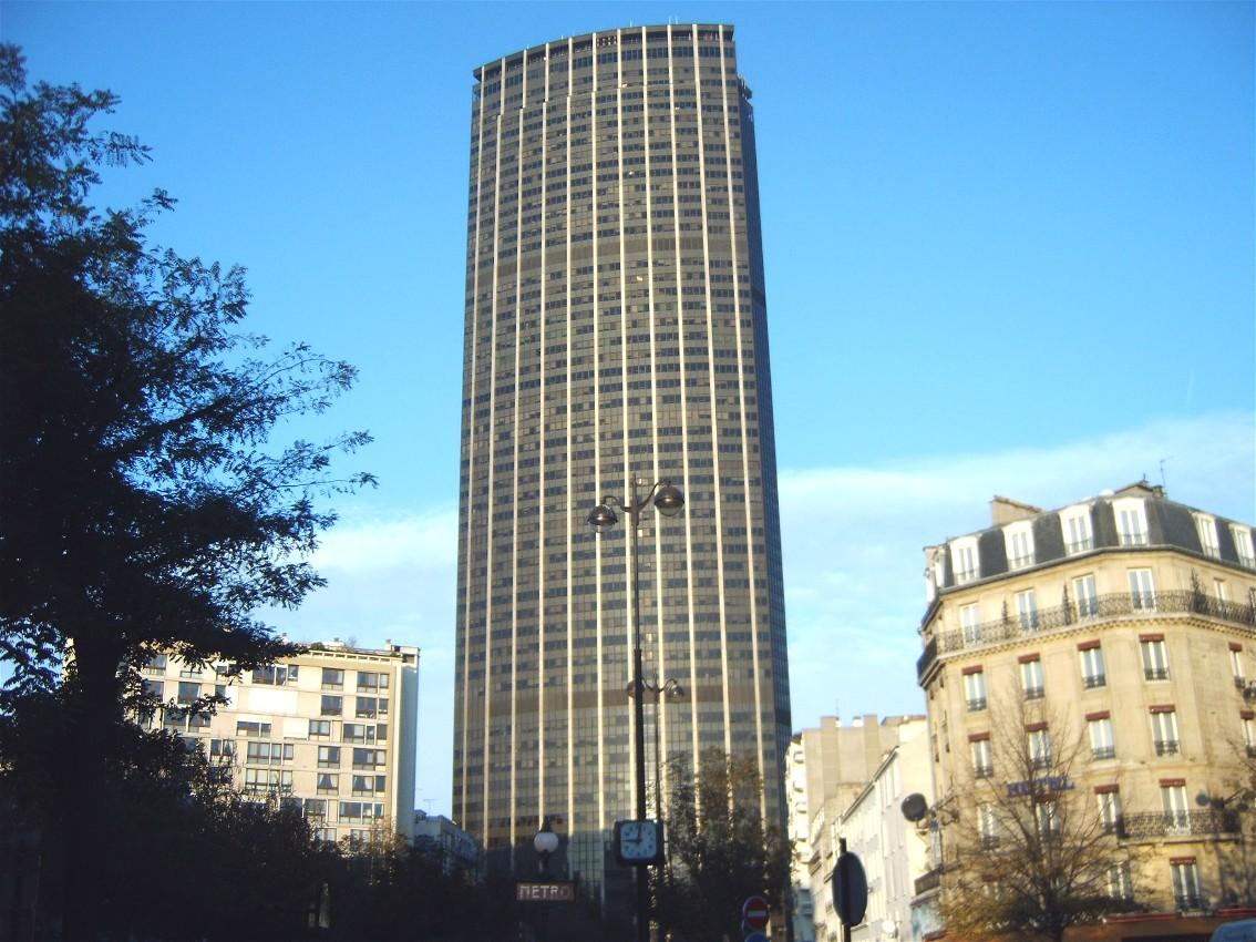 Quel bâtiment est le plus laid, selon vous? - Page 13 Tour_montparnasse