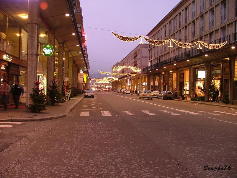 Photos de nuit des décorations de Noël dans votre ville No_l_rue_de_Paris
