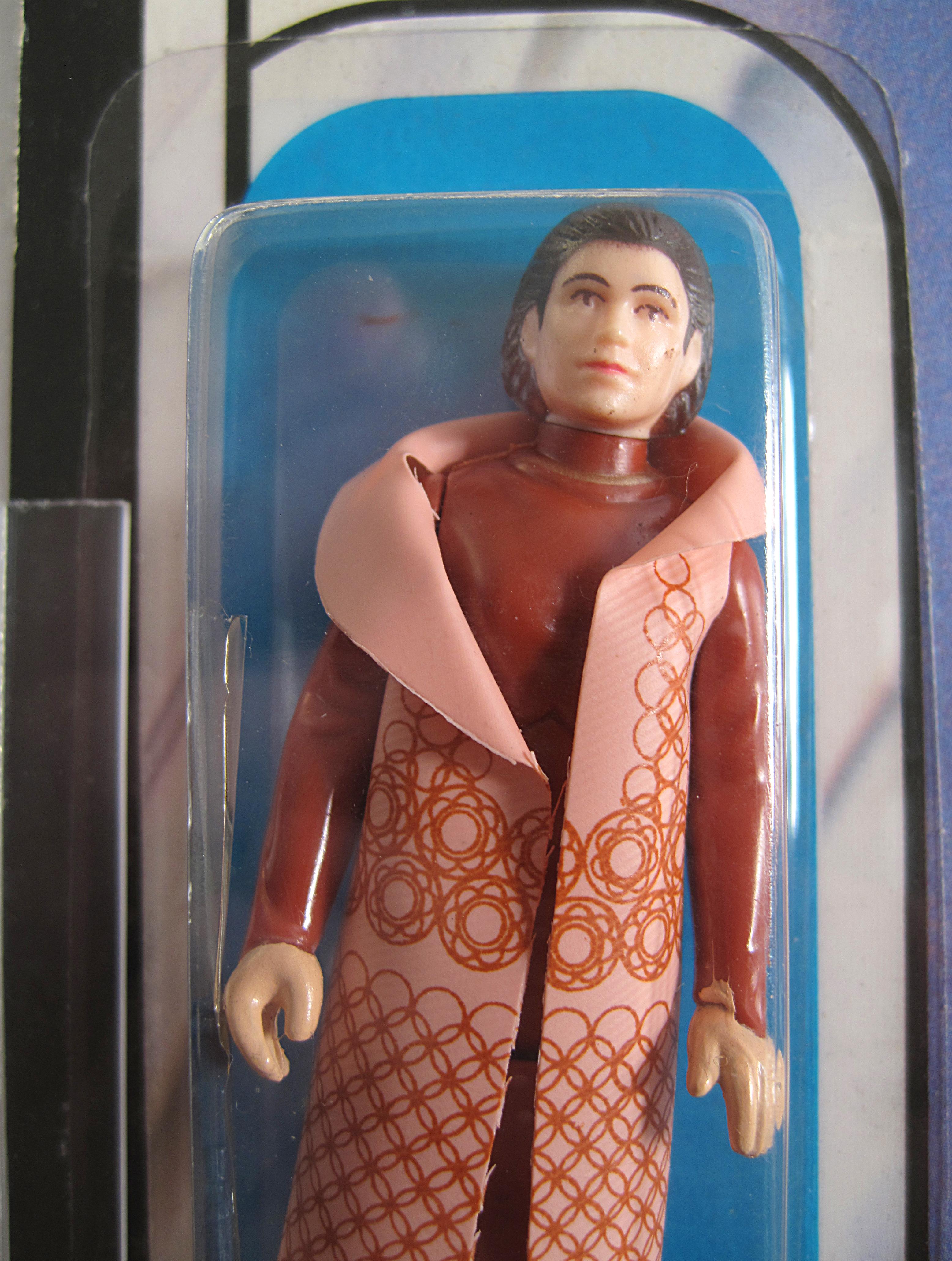 Plastic BEHIND figure? Moc_41a_textured_cape_closeup_2