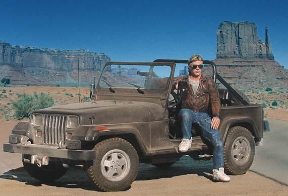 Jeep SAHARA Jmg24g