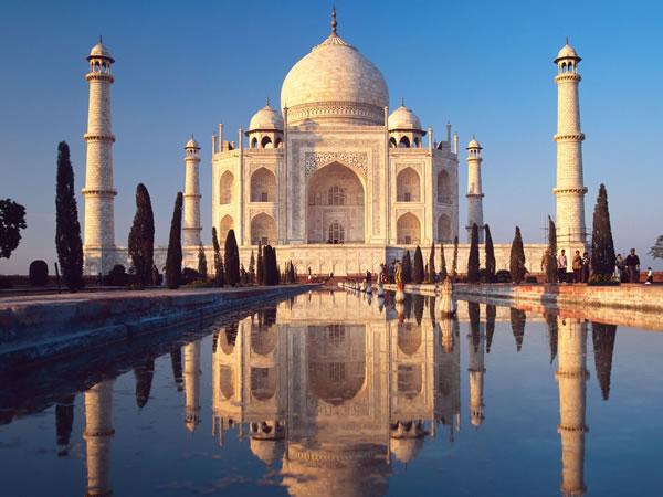 documentation  sur les origines de l'islam, en 3700 pages - Page 2 Taj-mahal