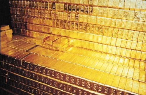 La banque fédérale américaine possède 17 fois moins d'or   que ce qui était officiellement dit! Gold