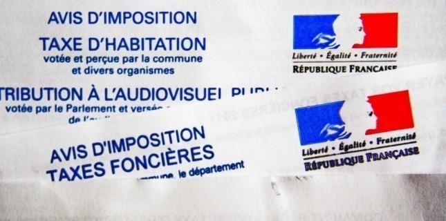 Gouvernement Valls 2 ça va valser ! Macron ne vous offrira pas de macarons...:) Imp%C3%B4ts-locaux