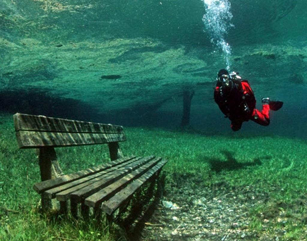 Aucun trucage dans ces photos incroyable du lac Grüner See Le-lac-Gruner-See-Etat-de-Styrie-Autriche-photo-01
