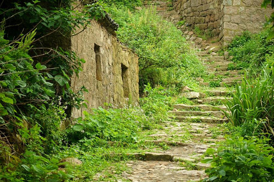 C'est de toute beauté : sites et lieux magnifiques de notre monde. Abandoned-fishing-village-goqui-island-shengsi-zhoushan-china-tang-yuhong-11