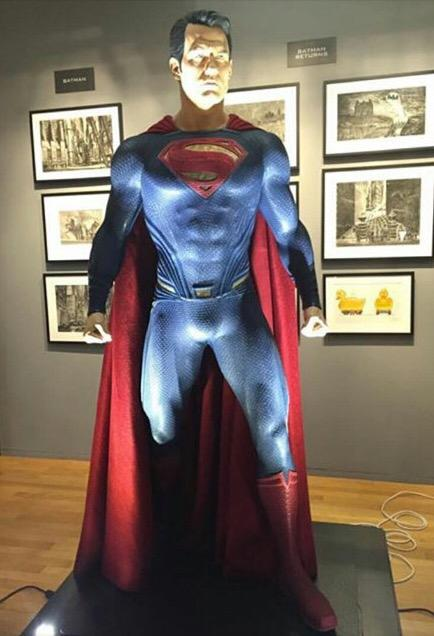 BATMAN VS SUPERMAN : L'AUBE DE LA JUSTICE - Page 11 Superman-costume-batman-v-superman