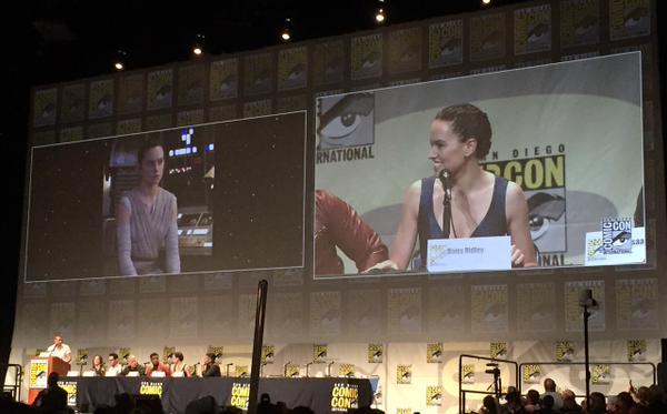 Star Wars : Le Réveil de la Force [Lucasfilm - 2015] Star-wars-the-force-awakens-comic-con-panel-ridley