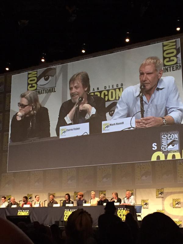 Star Wars : Le Réveil de la Force [Lucasfilm - 2015] Star-wars-the-force-awakens-comic-con-panel-trois
