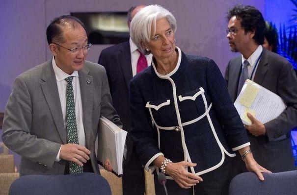 BRICS : un nouveau système en marche 780597_la-directrice-generale-du-fmi-christine-lagarde-c-et-le-president-de-la-banque-mondiale-jim-yong-kim-g-lors-d-une-reunion-le-18-avril-2013-a-washington