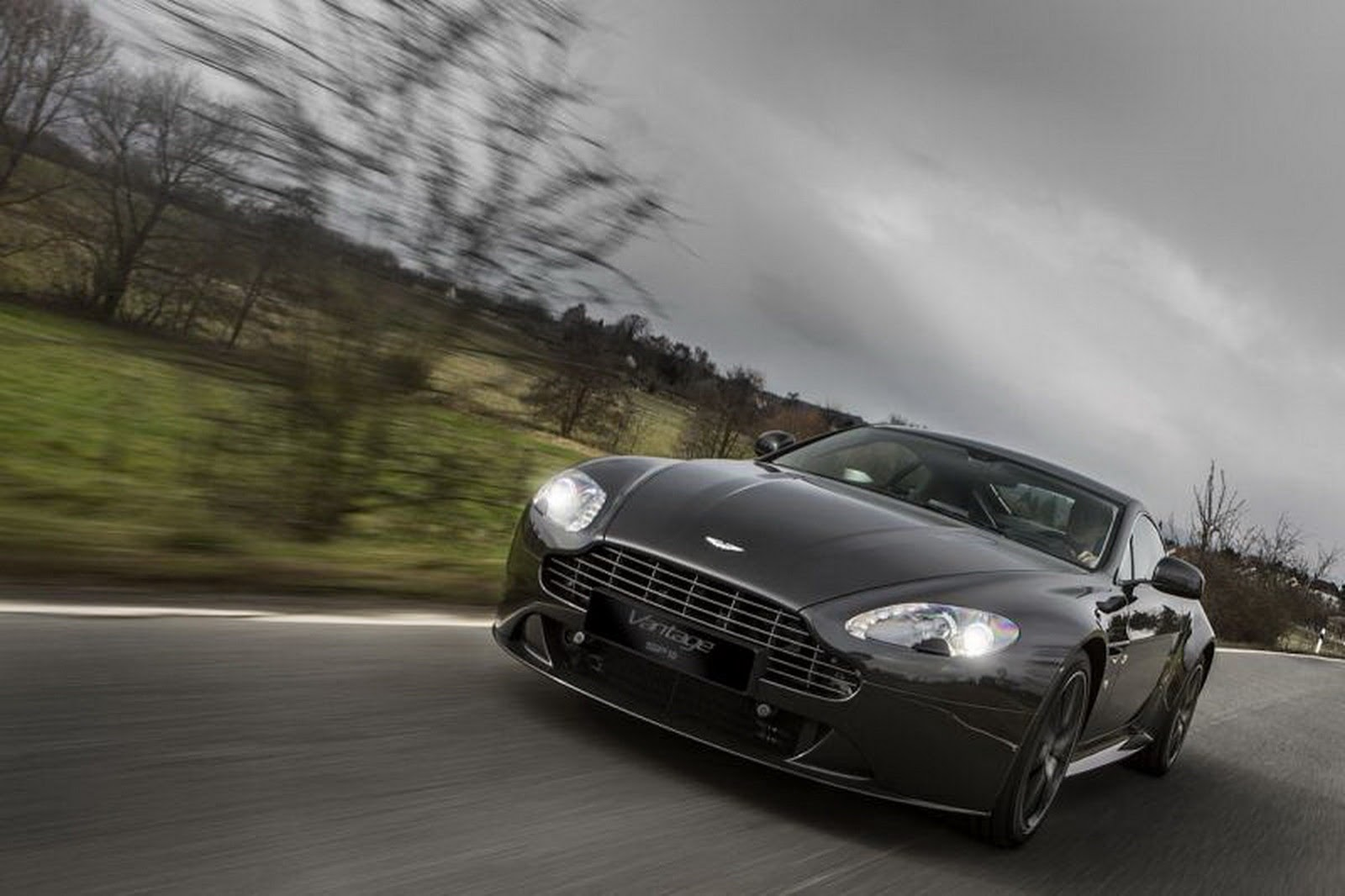 2011 - [Aston Martin] Vantage restylée - Page 2 Aston-Martin-SP10-2%25255B2%25255D