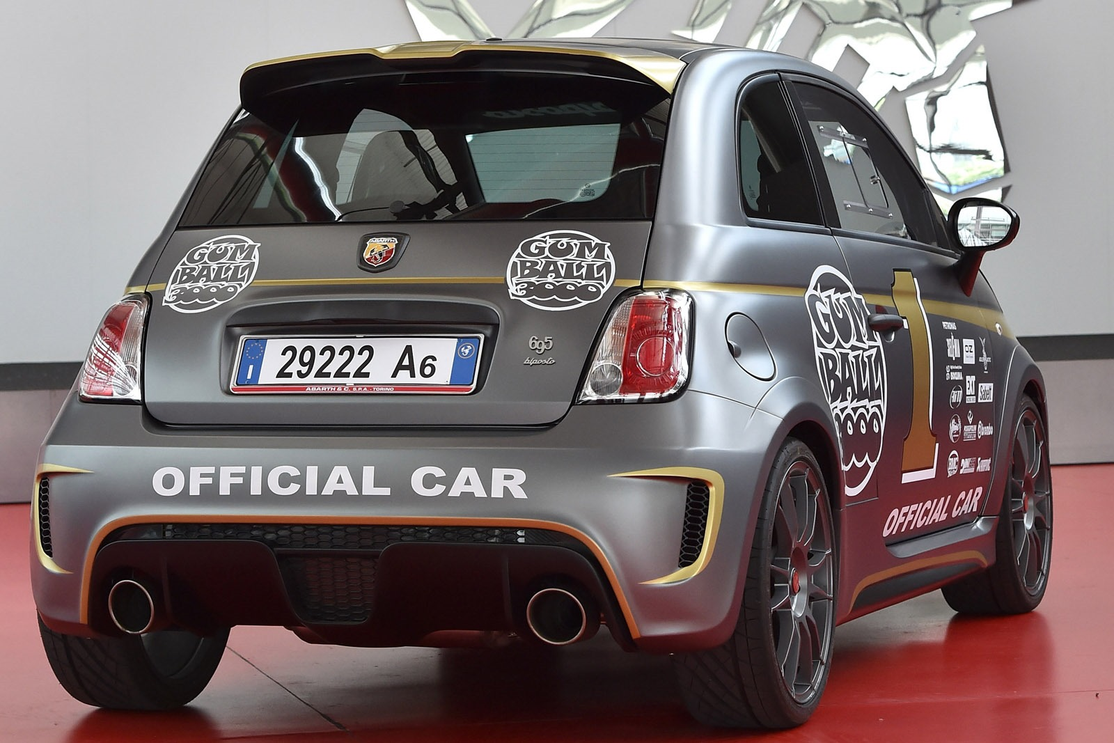 [Fiat] 500 Abarth - Page 13 Abarth-695-Biposto-Gumball-official-car-3%25255B4%25255D