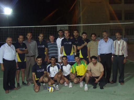 صور فريق كرة الطائرة المشارك في الدوري 7234_129983249397_731819397_2502320_4026976_n