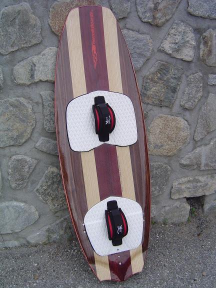 2 Surfkites thermikboards  142x47  et  152x48 avec volume DSC07148