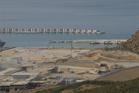 Tanger - Futur grand port de l'Afrique - Page 4 DSC_0202