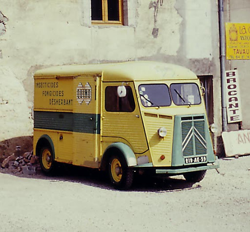 Photos d'époque de camions Citroën - Page 16 Hy_insecticide