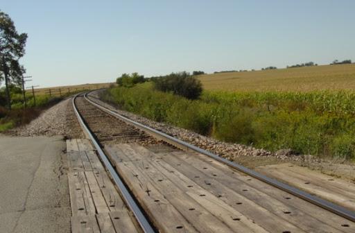 Down The Tracks MISCtrainBaseLineWlooking