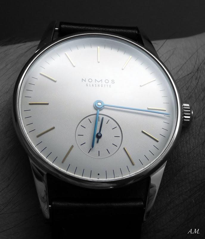 la première montre de votre collection (moi, une swatch body and soul) Nomos%20Orion%20B%26W%20%284%29