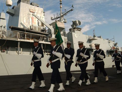 إيطاليا تخطف من فرنسا عقد تزويد الجزائر بسفن الإنزال  Soldats_de_la_Marine-Alg%C3%A9rie