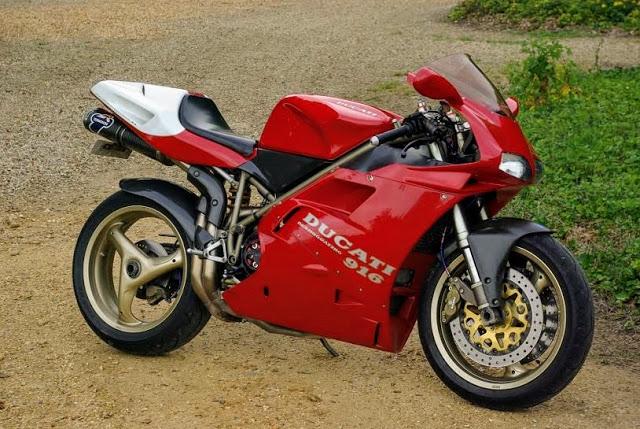 La moto dont je rêvais quand j'étais ado 916sp