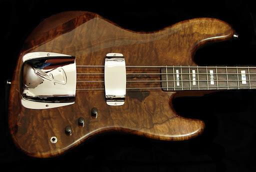 Mostre o mais belo Jazz Bass que você já viu Ladessa%20JB%201