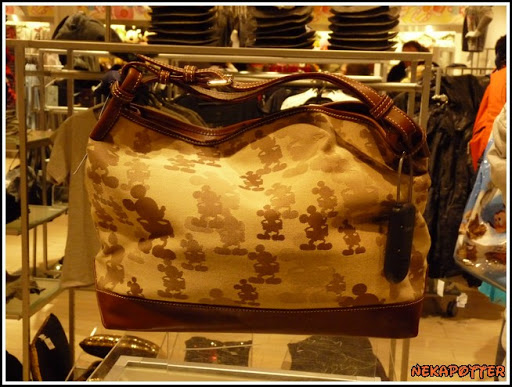Les accros du shopping P1040866