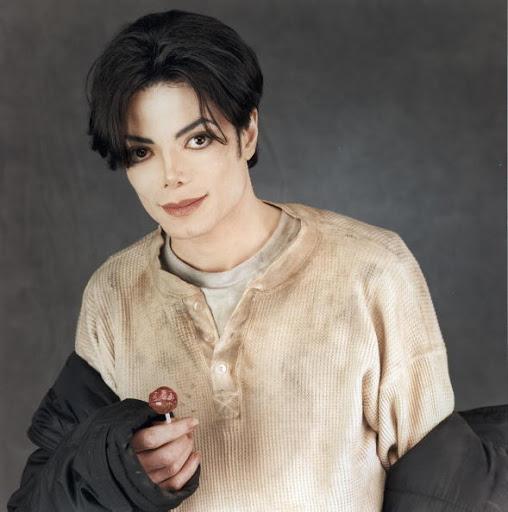 Muore Jonathan Exley, famoso fotografo e amico di MJ Michael-michael-jackson-8499584-589-594