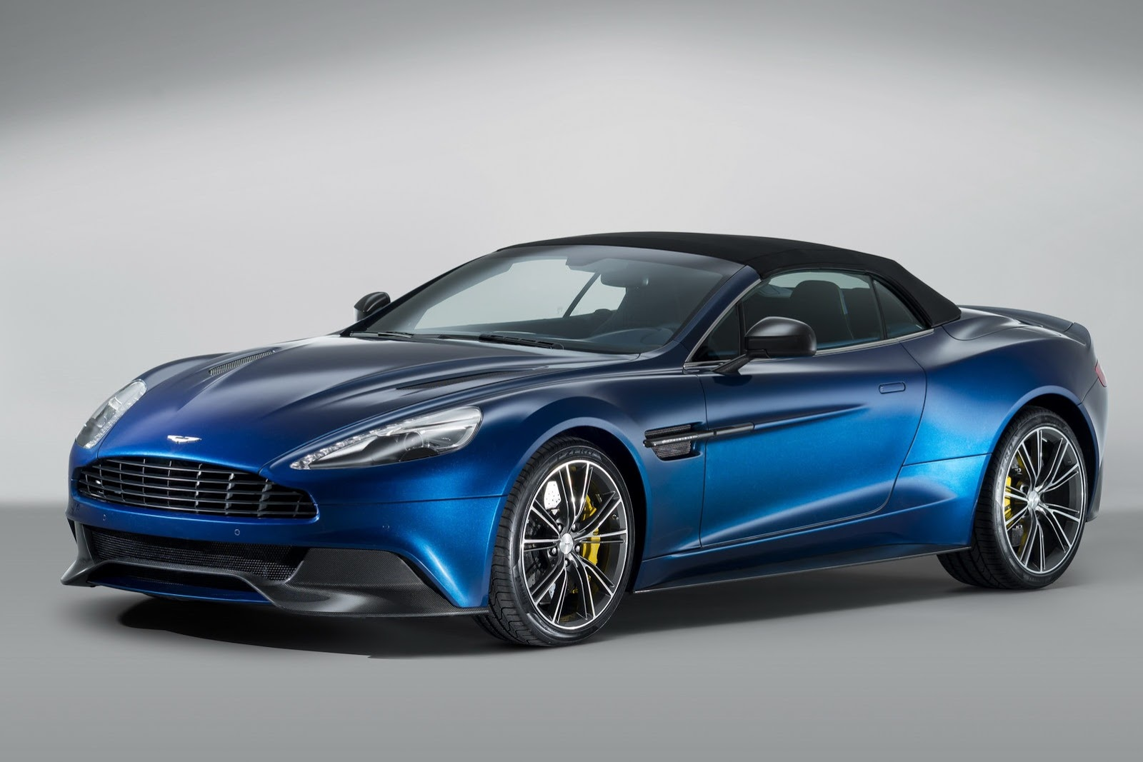 2012 - [Aston Martin] Vanquish [310] - Page 6 New-Aston-Martin-Vanquish-Volante-3%25255B2%25255D