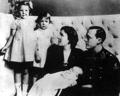 La Casa de Orange: Willem III, Wilhelmina I y Juliana I. - Página 3 Juliana1943
