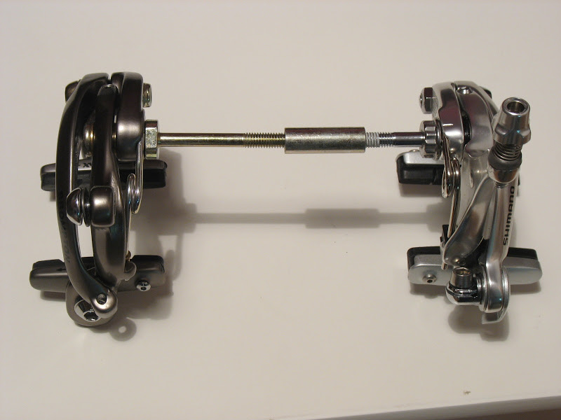 Atelier cycles à Ixelles [montages d'étrier caliper alternatif] IMG_5993