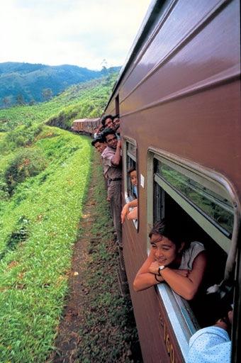 மெட்ரோவும் மோனோவும் Trainjourney3