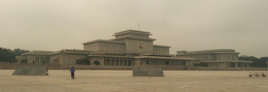 Fotos de las Crónicas de Un Viaje a Corea Palacio%20de%20Kumsusan