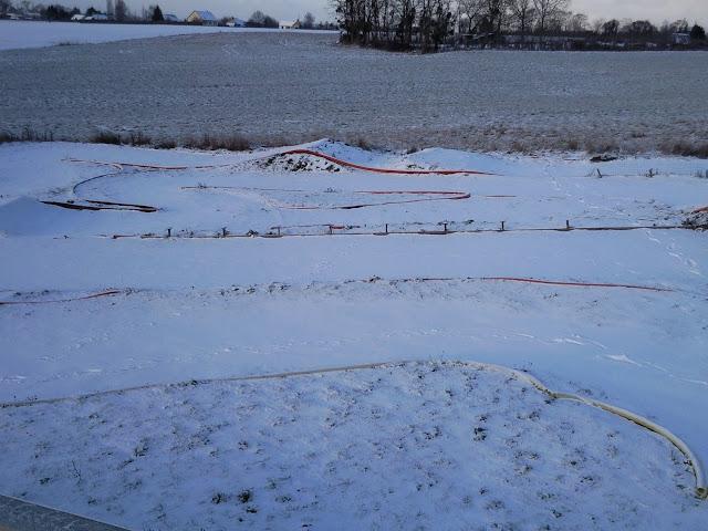 Le circuit sous la neige le 19.12.2009 Photo0857