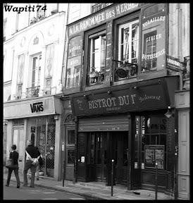 Paris en couleurs , Paris en noir et blanc ! 31.Bistrot