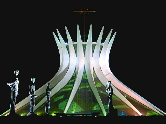 Najlepše crkve i katedrale  20-unusual-churches-p1-brasilia-cathedral2