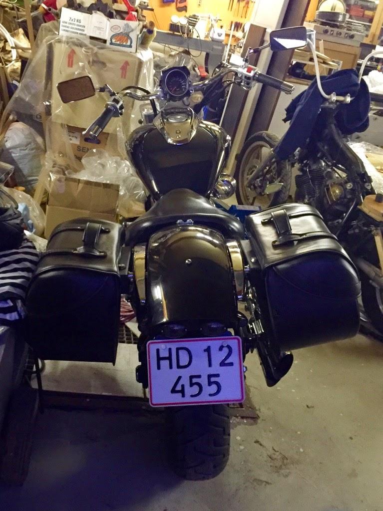 Quick release saddlebag brackets ? IMG_1069