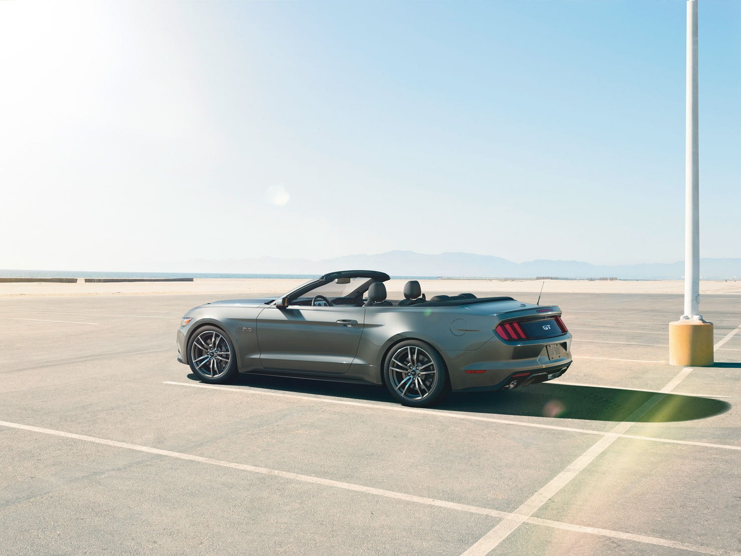 2014 - [Ford] Mustang VII - Page 6 2015-Ford-Mustang-Photos-32%25255B2%25255D