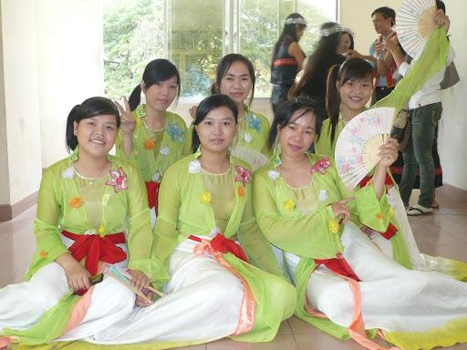 kỉ niệm ngày hiến chương nhà giáo 2009 P1050103